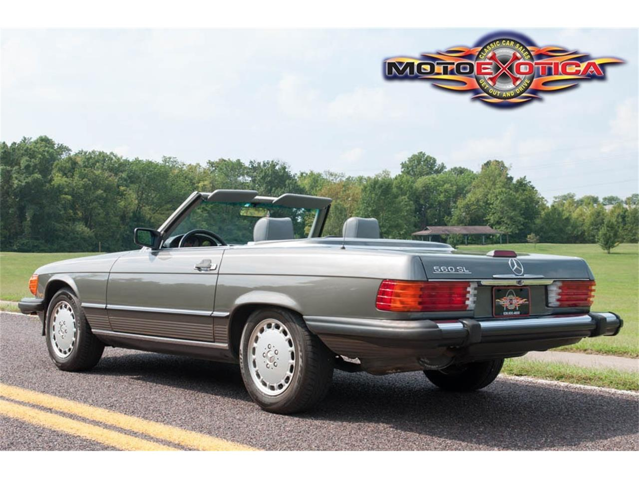 Large Picture of '89 560SL Auction Vehicle Offered by MotoeXotica Classic Cars - GU6G