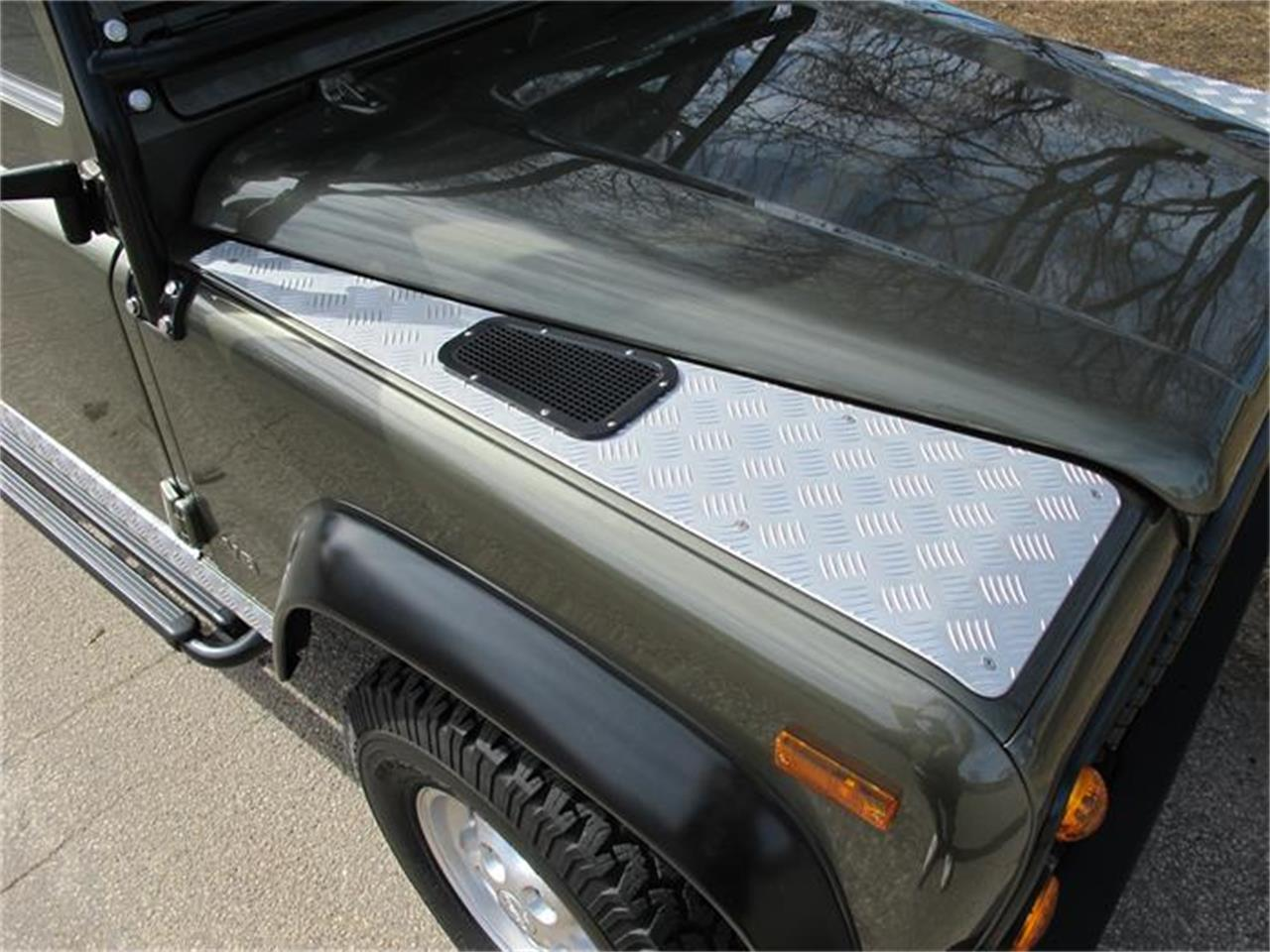Large Picture of '97 Defender - GUCY