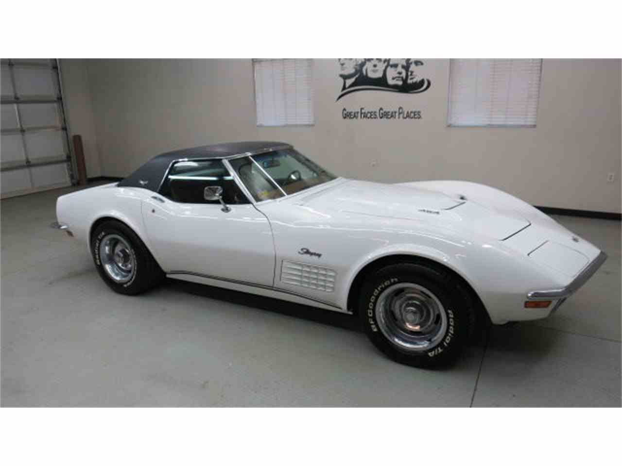 Large Picture of '72 Corvette - GYQR