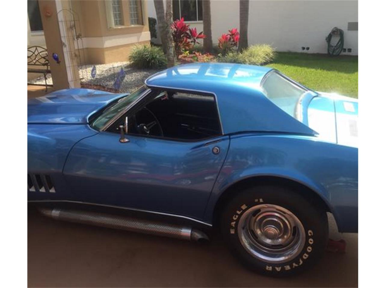 Large Picture of '68 Corvette located in Coral Springs Florida - H0VT