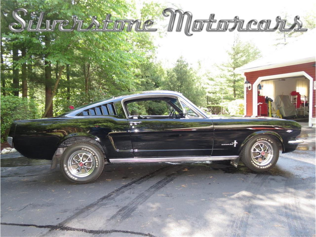 Large Picture of '65 Ford Mustang Offered by Silverstone Motorcars - H10Z
