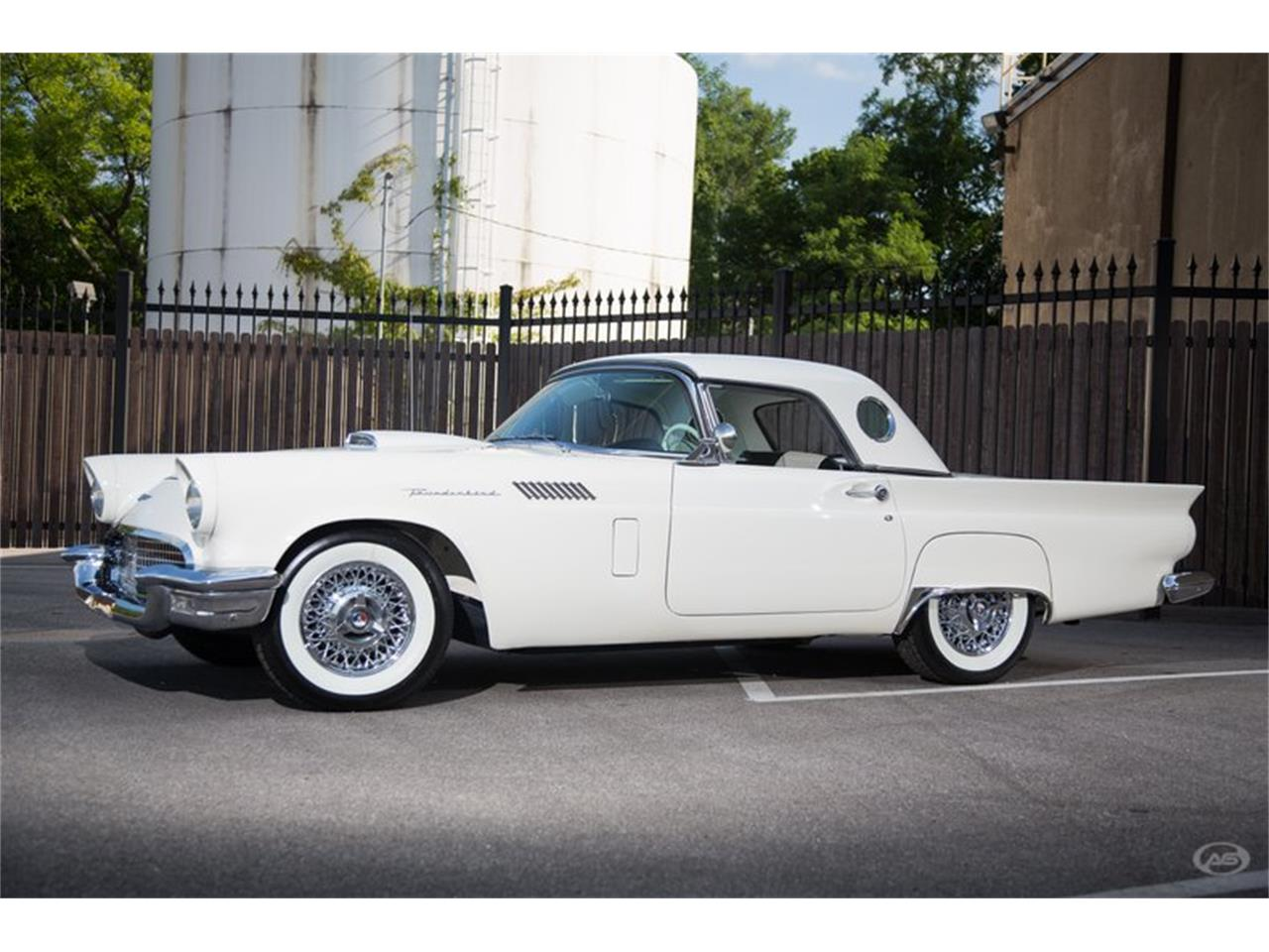 Large Picture of '57 Ford Thunderbird located in Collierville Tennessee - H4Y9