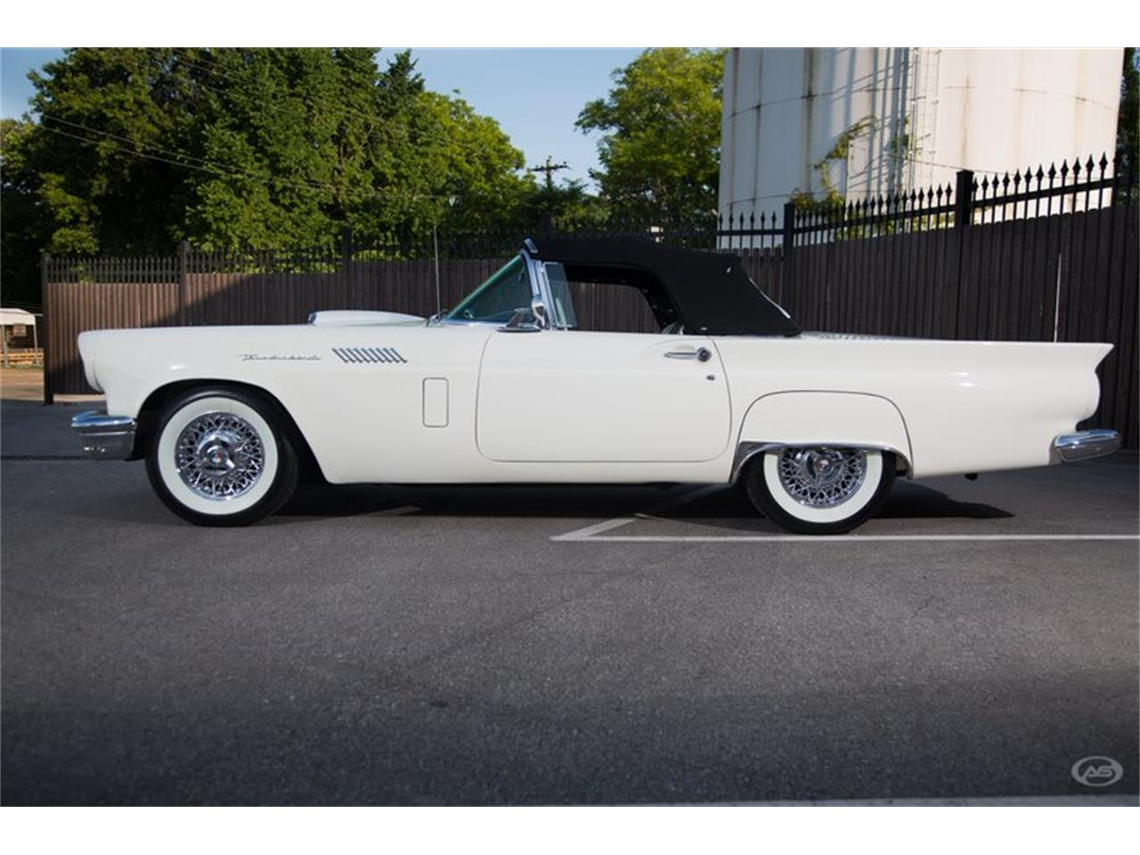 Large Picture of '57 Thunderbird located in Tennessee - H4Y9
