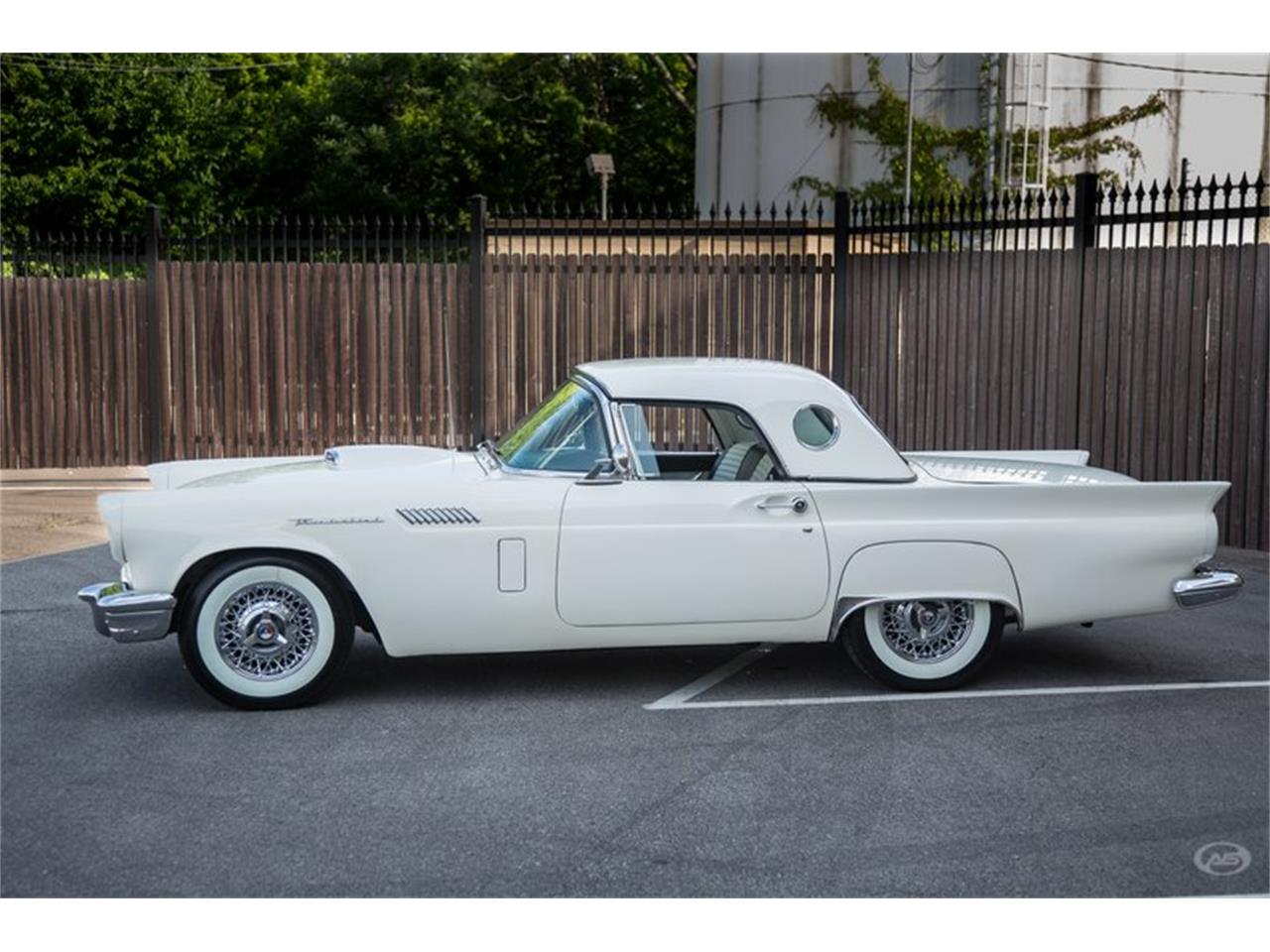Large Picture of 1957 Ford Thunderbird located in Collierville Tennessee - H4Y9
