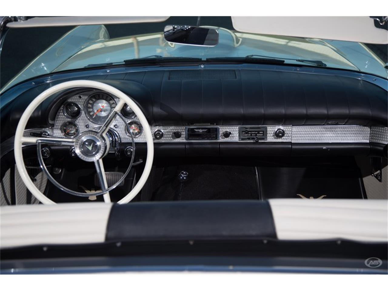 Large Picture of Classic '57 Thunderbird - H4Y9