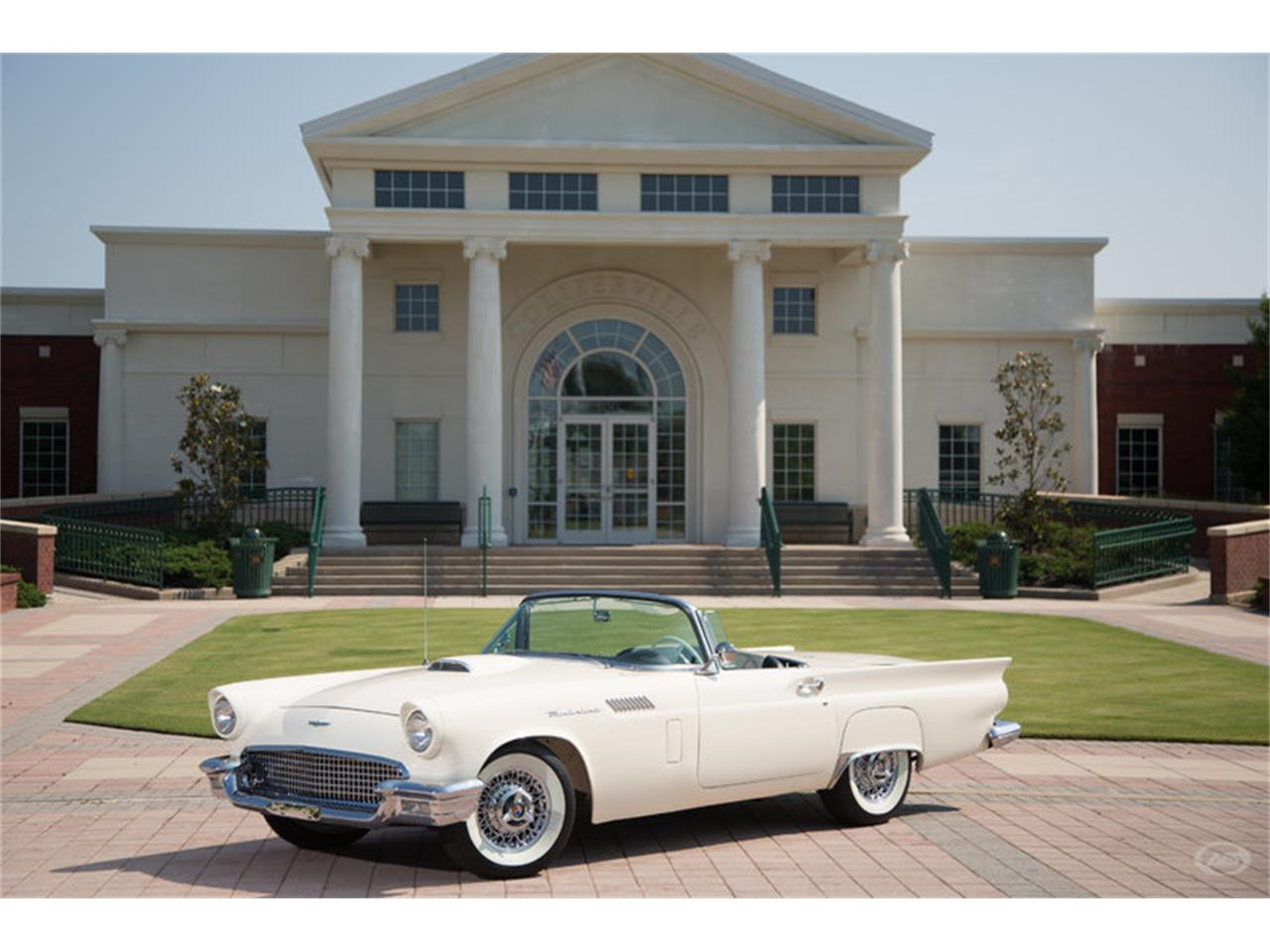 Large Picture of '57 Thunderbird - H4Y9