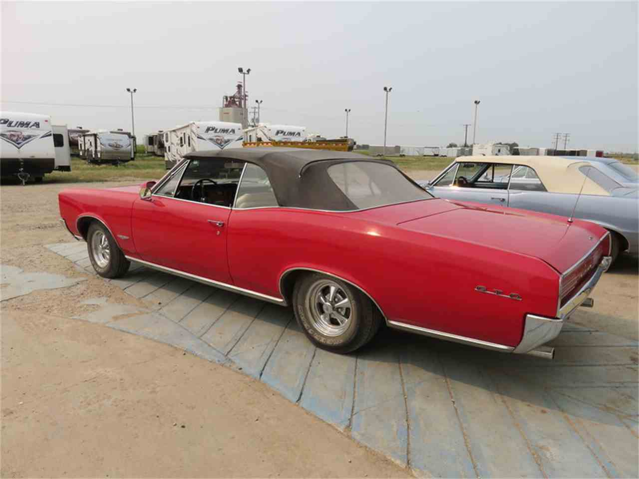 Large Picture of '66 Tempest Auction Vehicle - H6CW