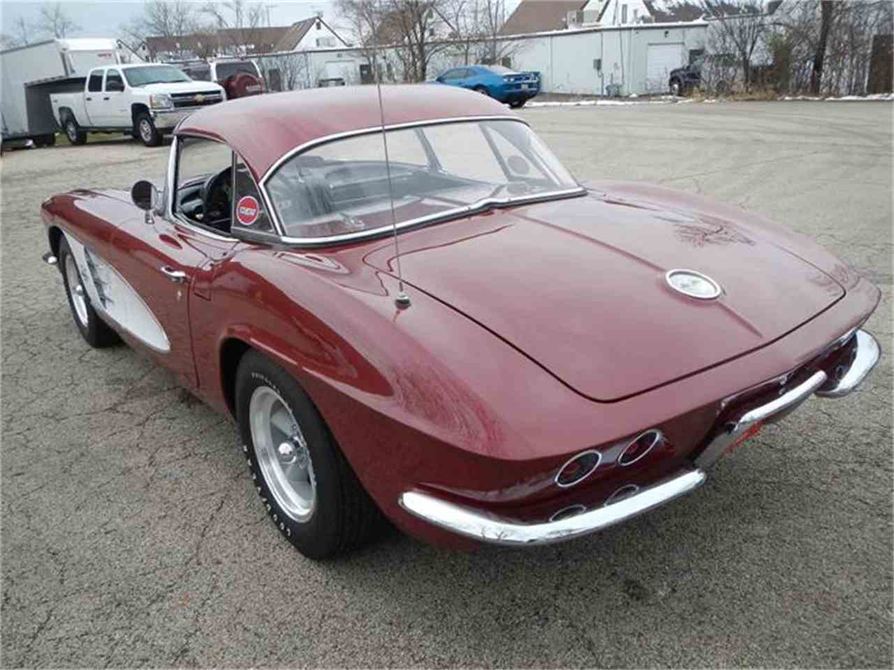 Large Picture of '61 Corvette - H7S0