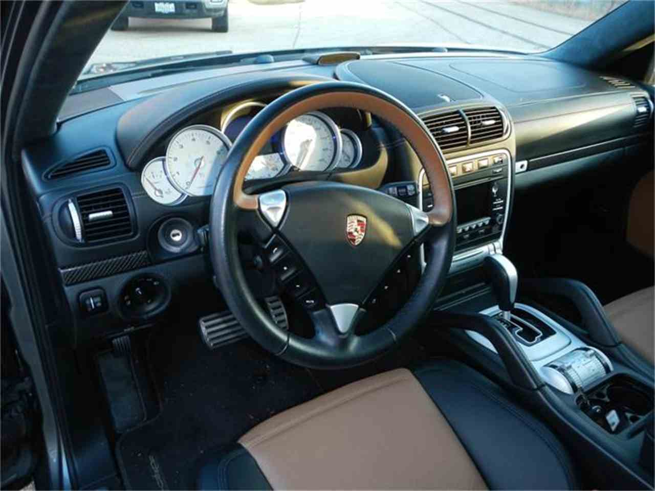 Large Picture of 2009 Porsche Cayenne located in Illinois - H7S4