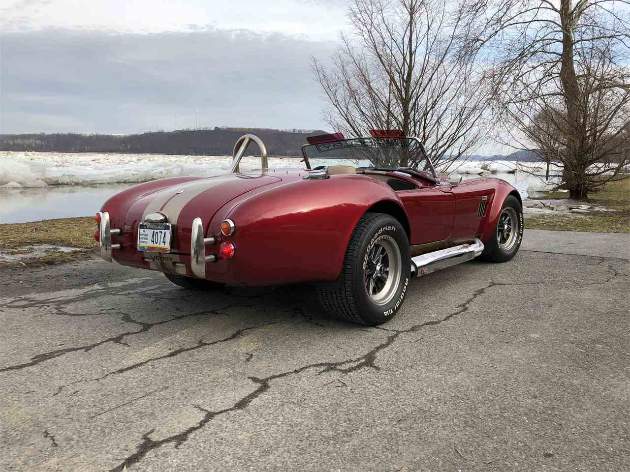 Large Picture of '65 Cobra - H8SC