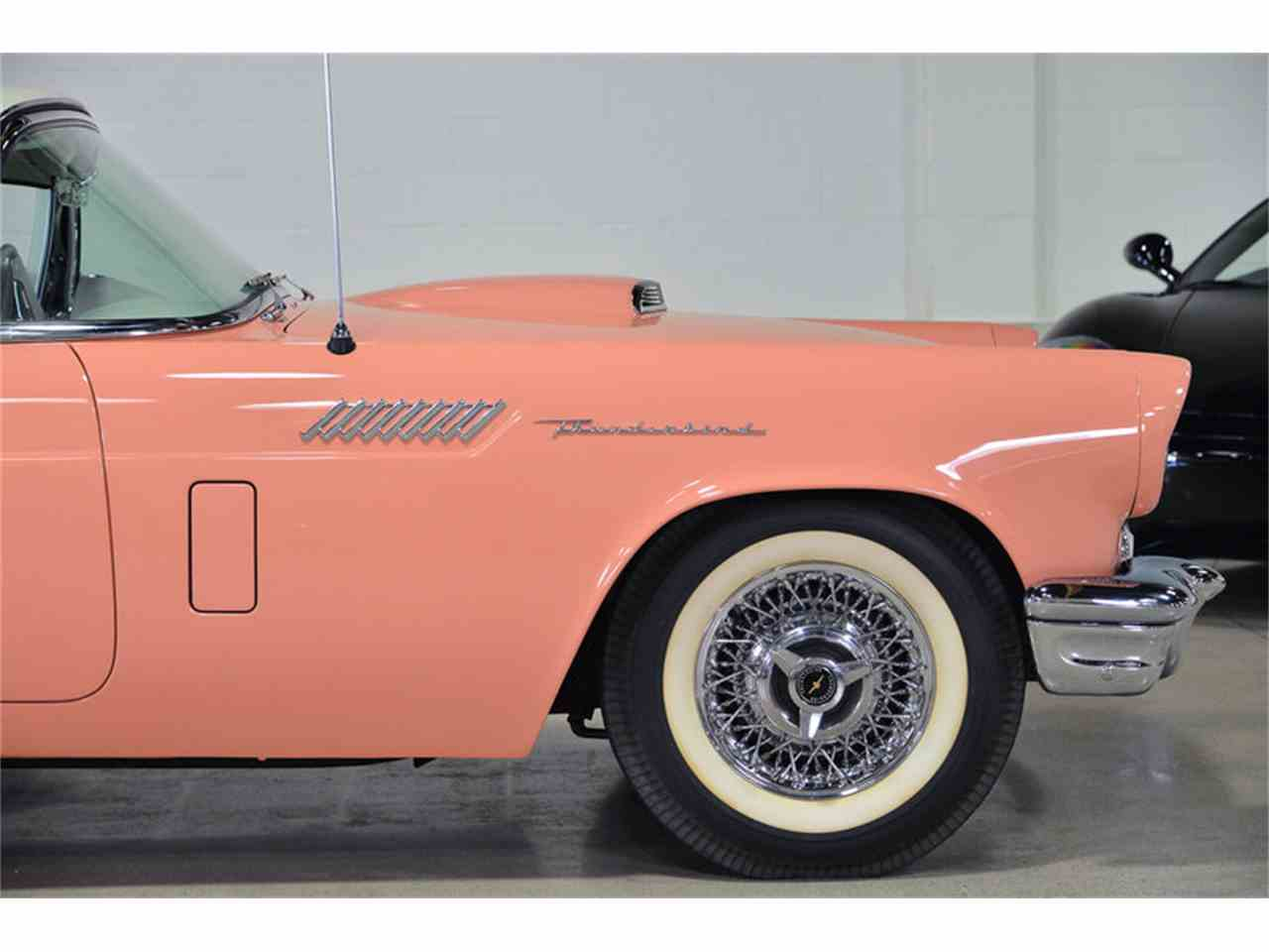 Large Picture of '57 Thunderbird - H9LR