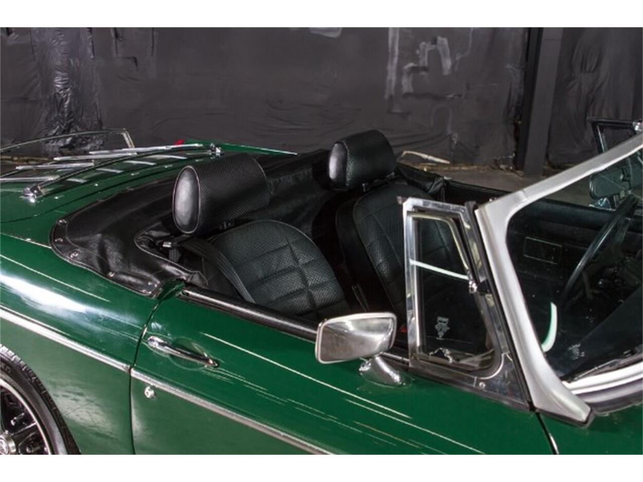 Large Picture of 1977 MG MGB - HAE3