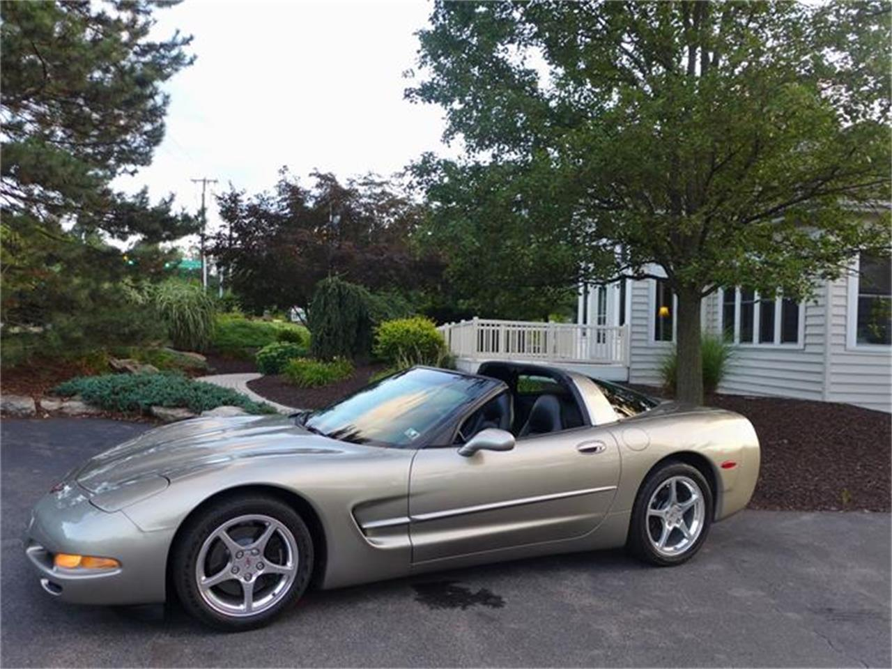 Large Picture of '99 Corvette - $17,900.00 Offered by Coffee's Sports and Classics - HB0J
