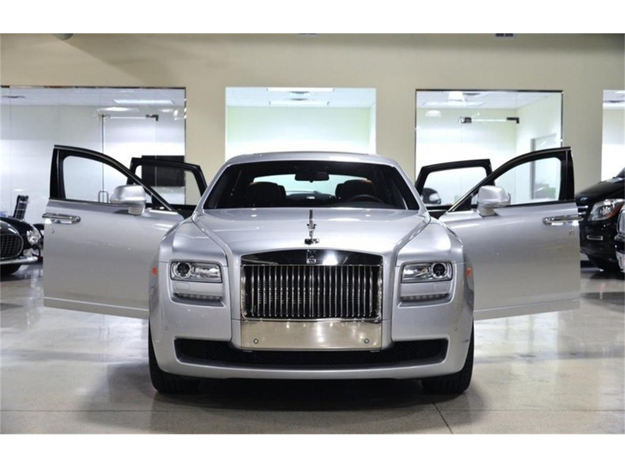 Large Picture of 2014 Rolls-Royce Silver Ghost located in Chatsworth California Offered by Fusion Luxury Motors - HB3I