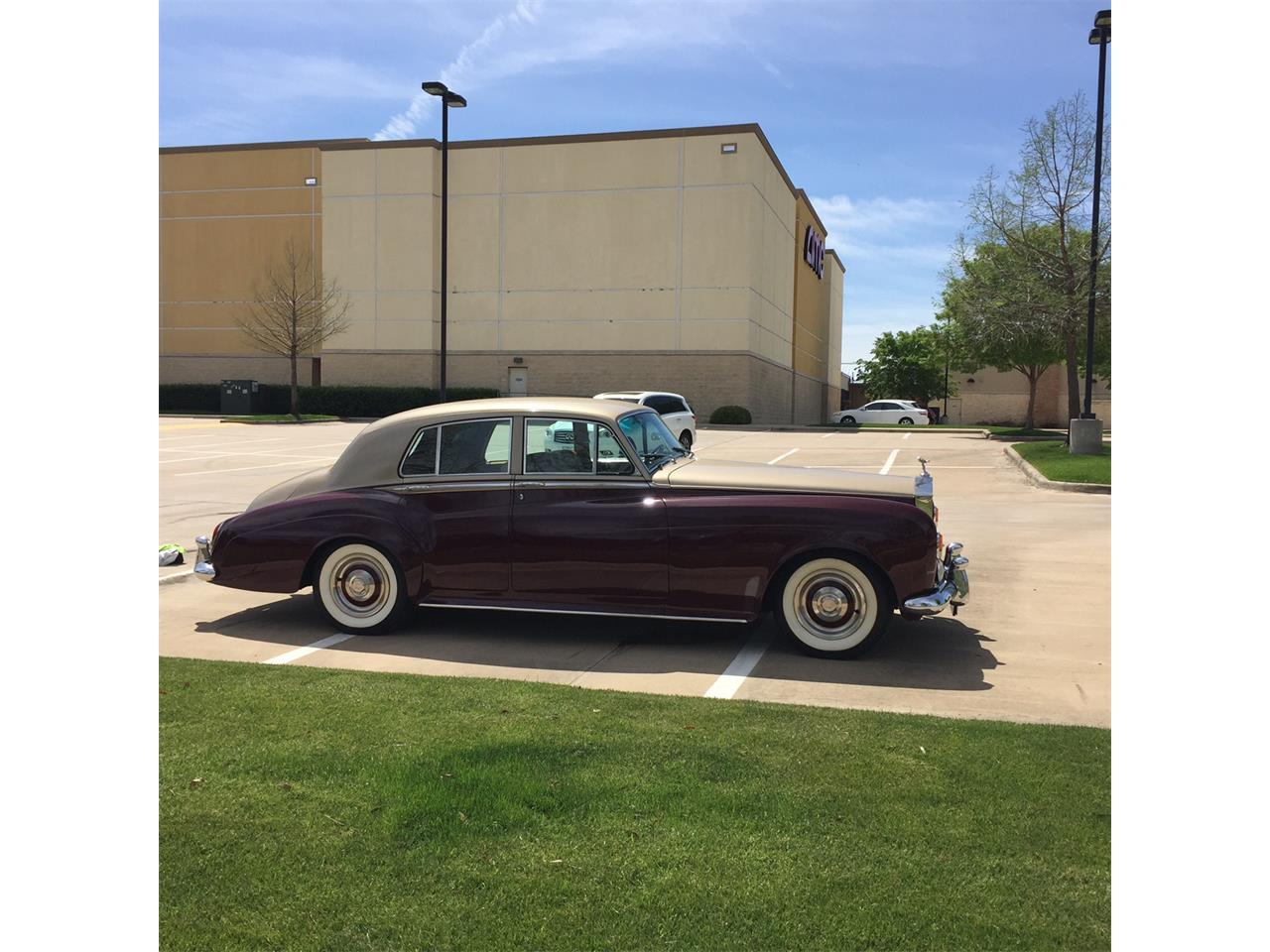 Large Picture of '64 Silver Cloud III - HBWT
