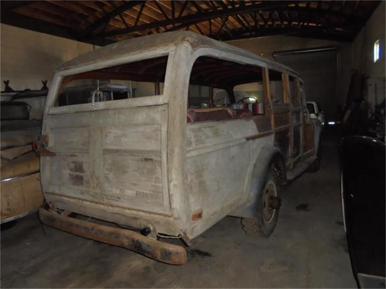 Large Picture of '48 Woody Auction Vehicle - HCLP