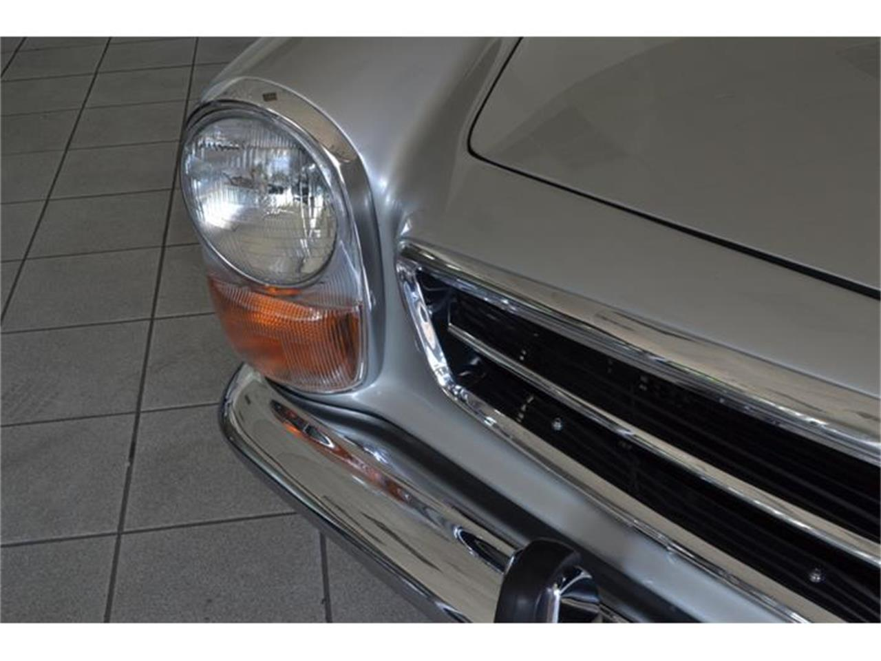 Large Picture of '71 Mercedes-Benz 280SL located in New York - $180,000.00 Offered by Aventura Motors - HGGT