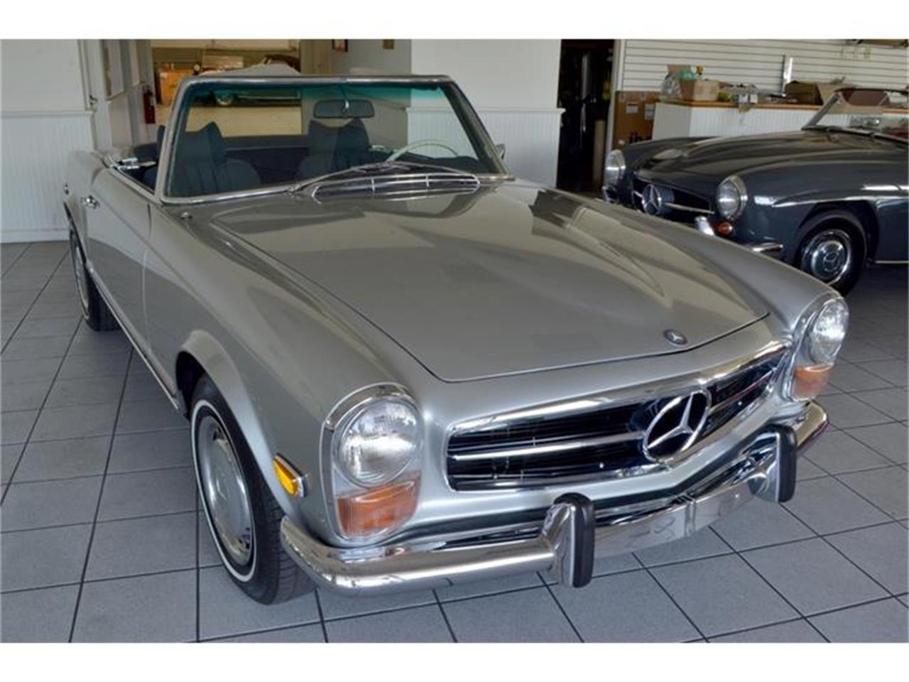 Large Picture of '71 Mercedes-Benz 280SL Offered by Aventura Motors - HGGT