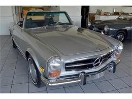 Picture of 1971 Mercedes-Benz 280SL located in Southampton New York Offered by Aventura Motors - HGGT