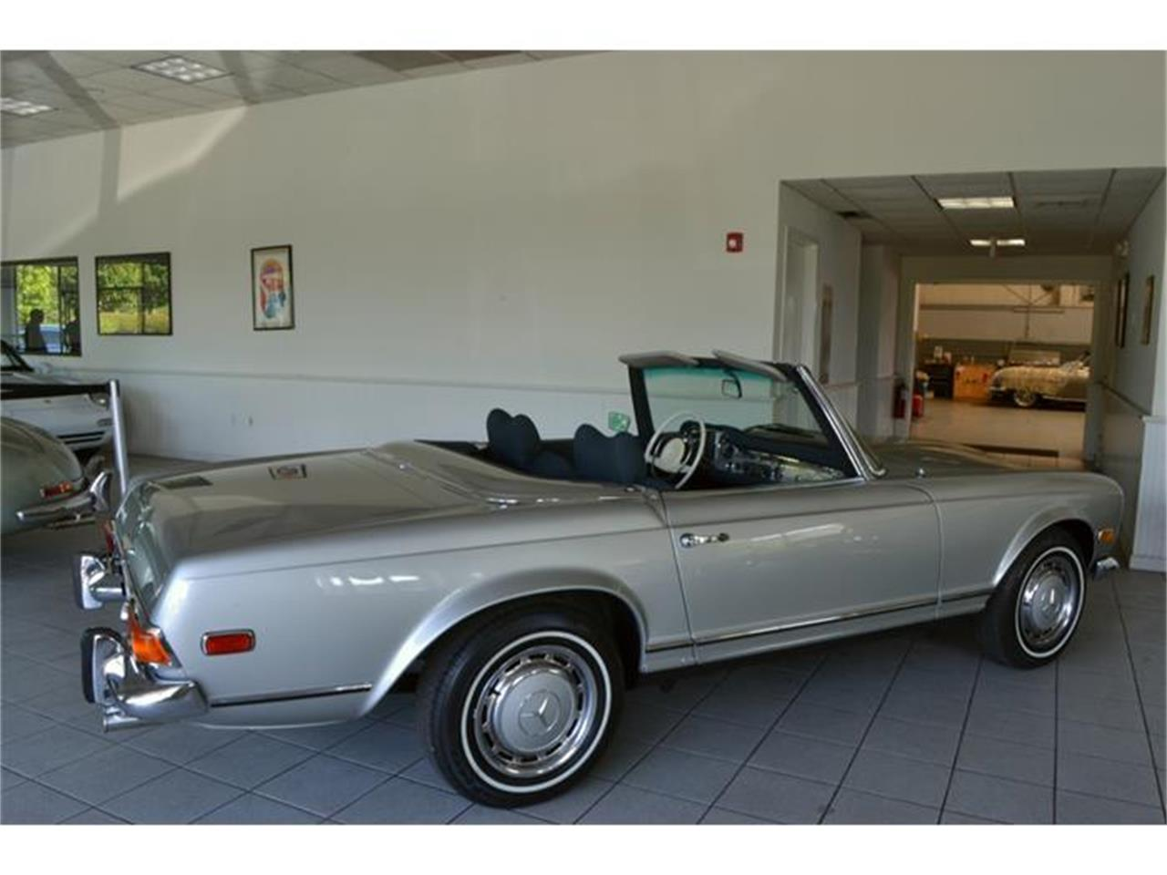 Large Picture of 1971 Mercedes-Benz 280SL located in Southampton New York - $180,000.00 Offered by Aventura Motors - HGGT