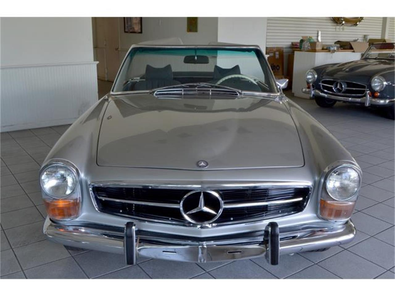 Large Picture of Classic '71 280SL located in Southampton New York - $180,000.00 Offered by Aventura Motors - HGGT