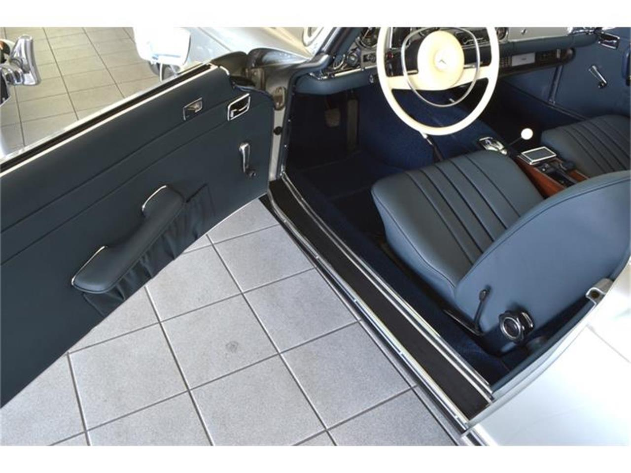Large Picture of '71 Mercedes-Benz 280SL - $180,000.00 Offered by Aventura Motors - HGGT