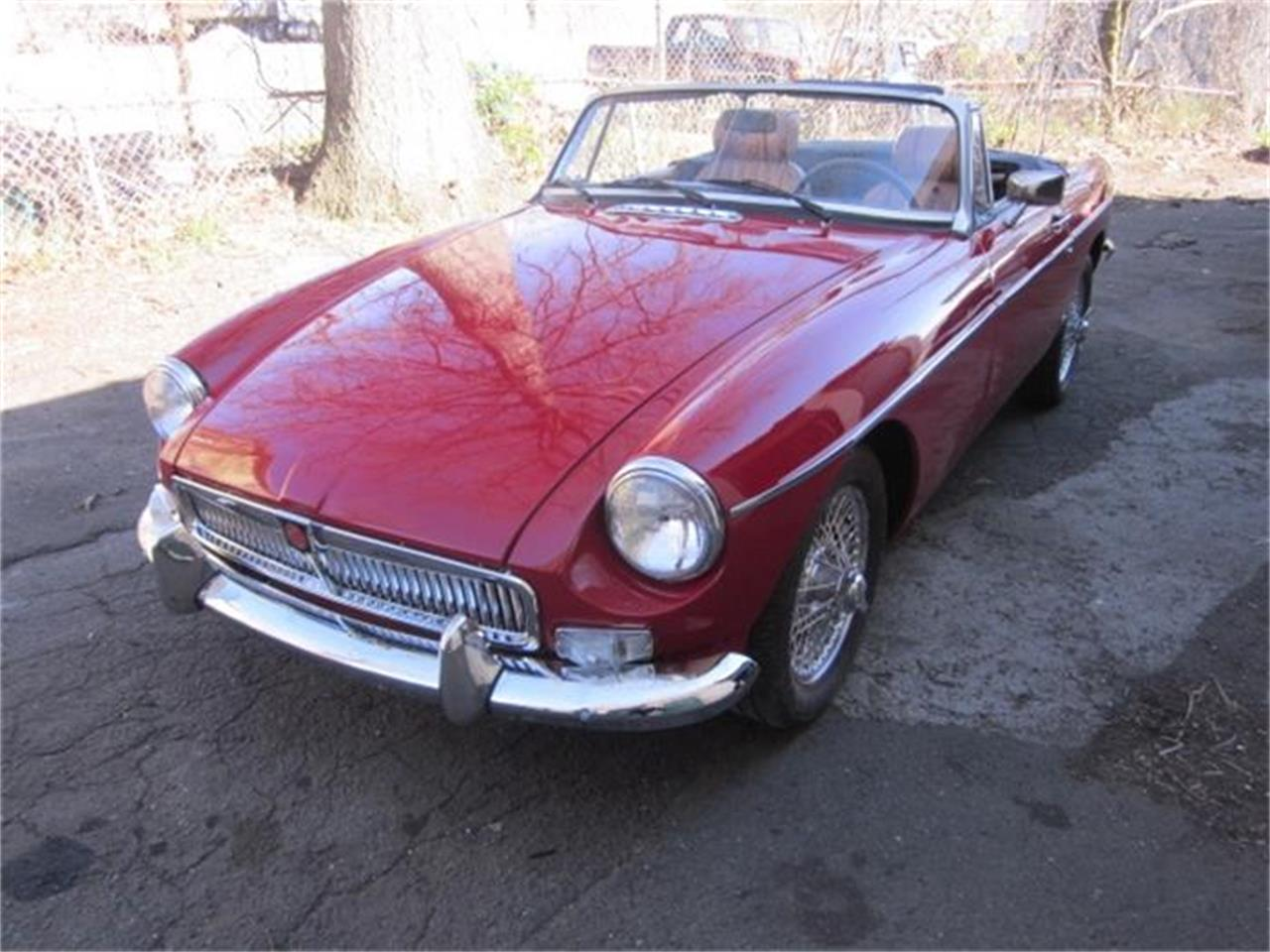 Large Picture of '76 MGB located in Connecticut - $16,900.00 - HHIB