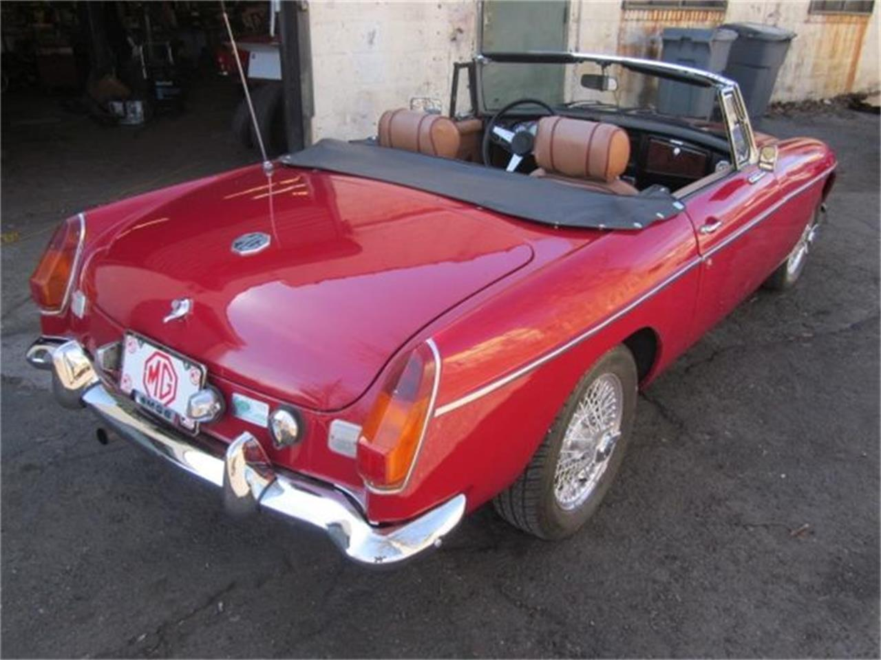 Large Picture of '76 MG MGB located in Stratford Connecticut - HHIB