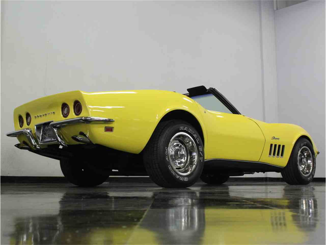Large Picture of '69 Corvette - HHJP
