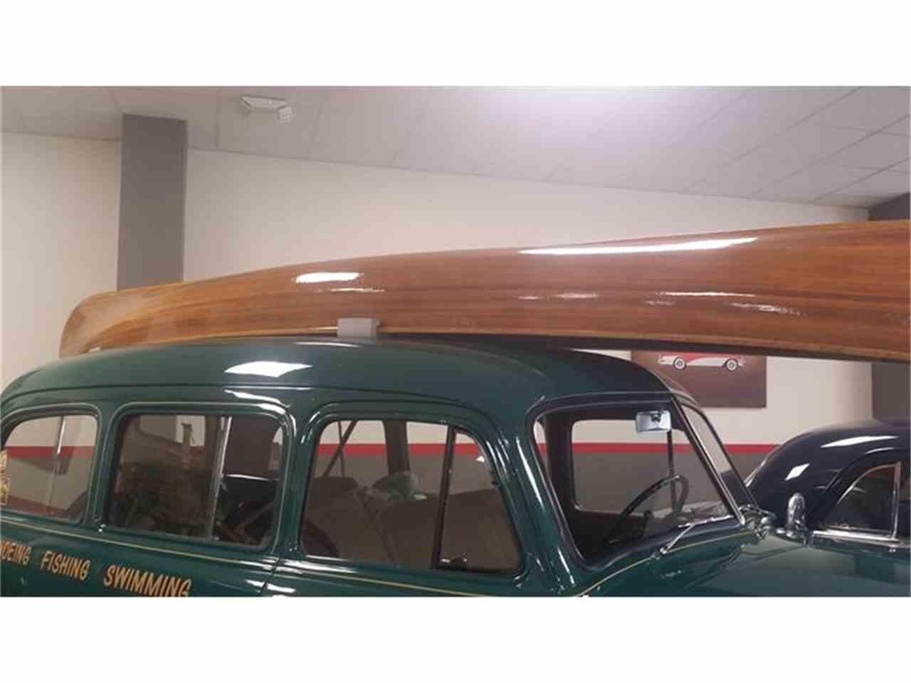 Large Picture of '52 Suburban - HI5O