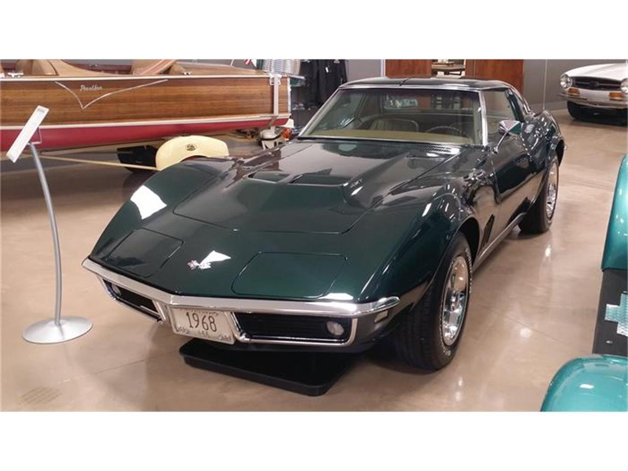 Large Picture of '68 Corvette - HI5Q