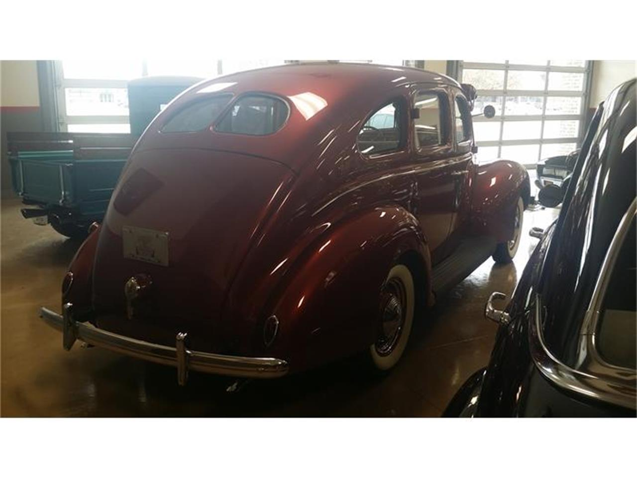Large Picture of 1939 Ford Deluxe - HI65