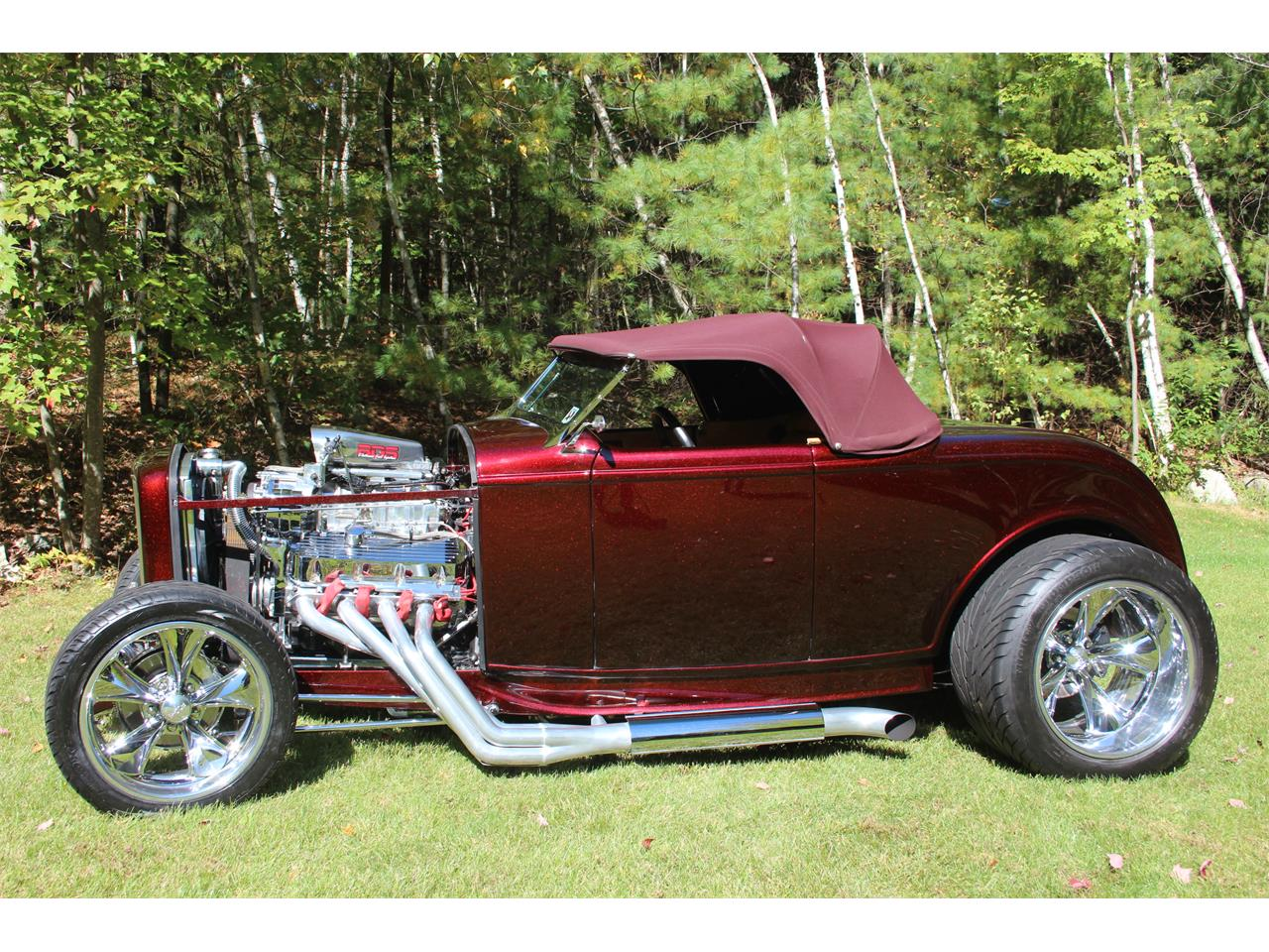 Large picture of classic 1932 ford roadster hkjv