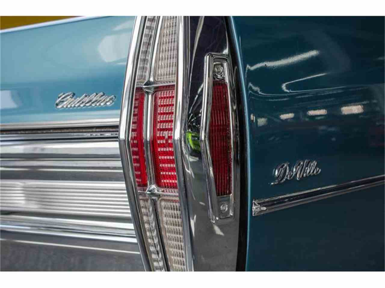 Large Picture of '68 Cadillac DeVille located in Montreal Quebec Offered by John Scotti Classic Cars - HLNW