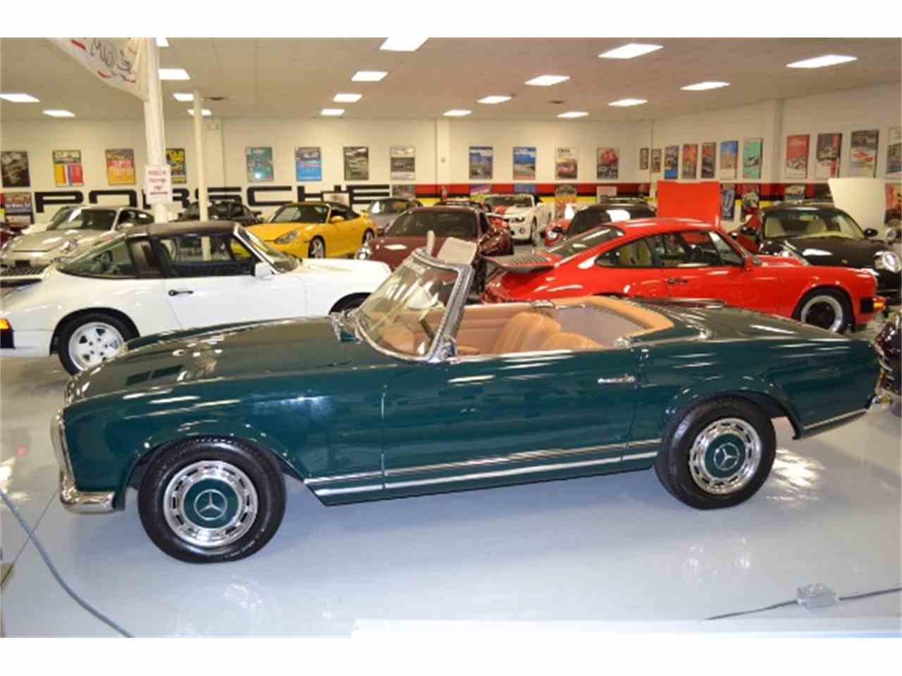 Large Picture of 1967 250SL located in Pinellas Park Florida - HN9P