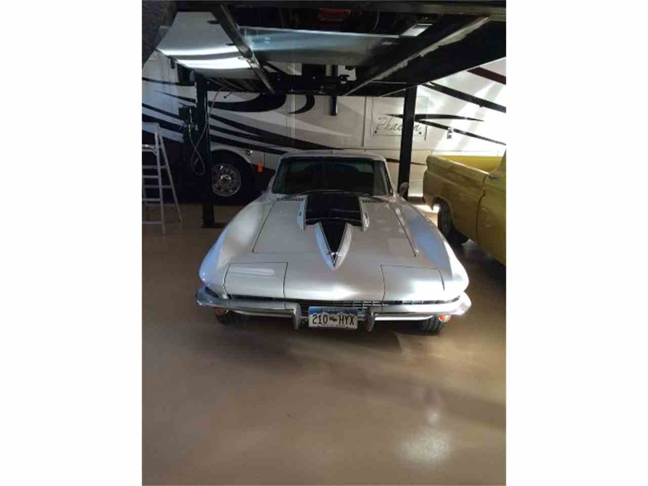 Large Picture of '67 Corvette - HNBV
