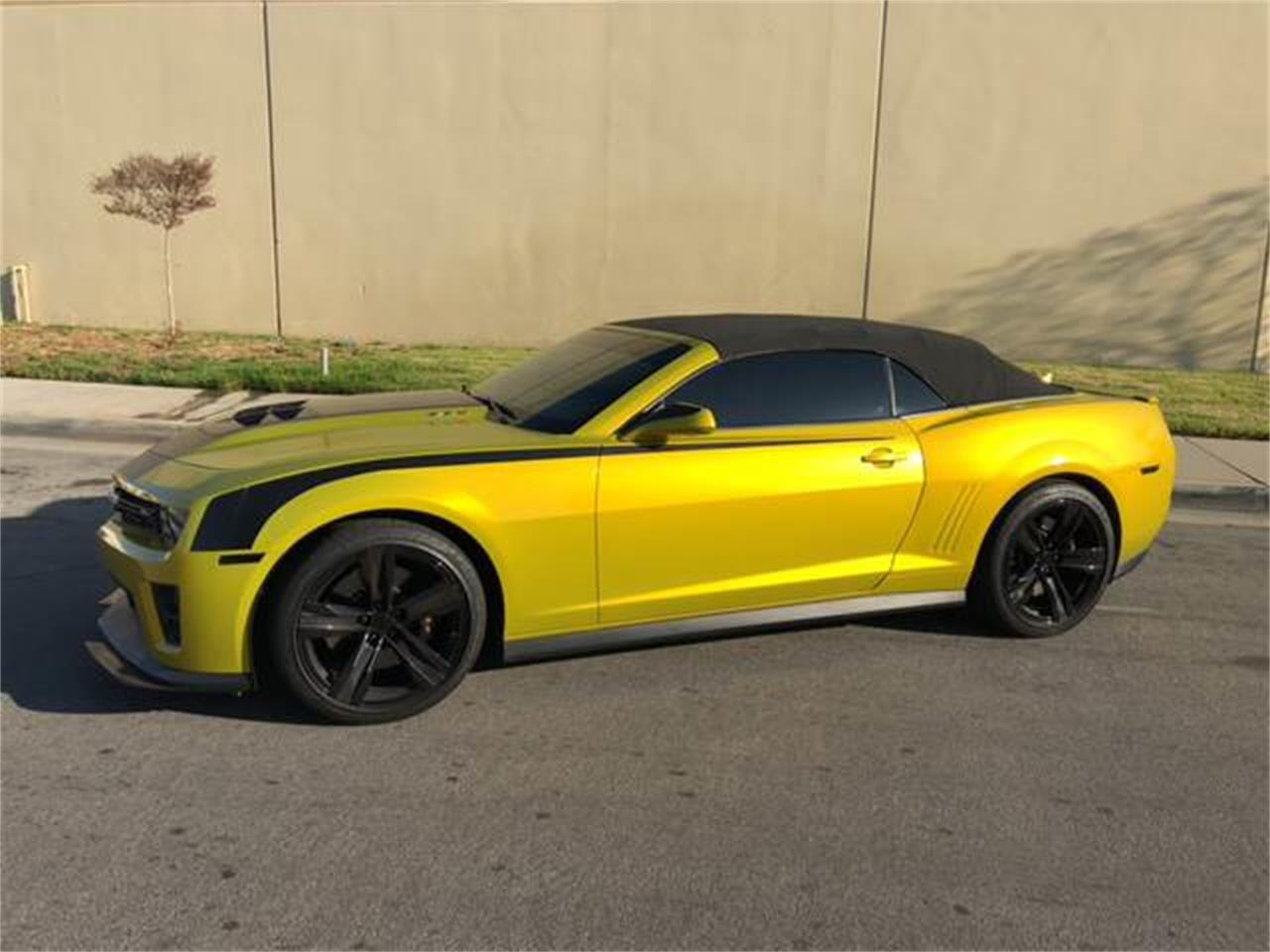 Large Picture of '13 Chevrolet Camaro located in California - HO82