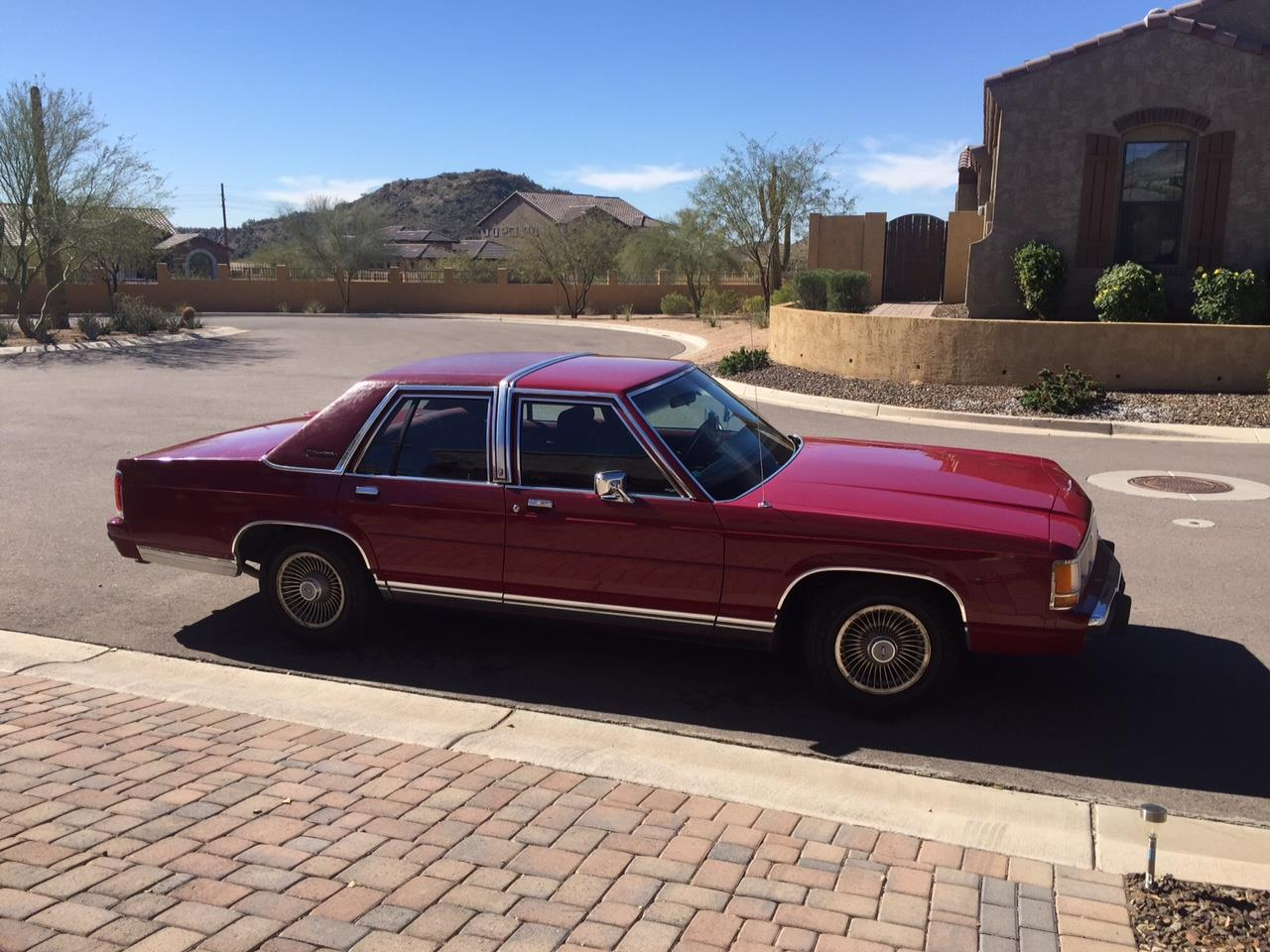 Large Picture of 1990 Ford Crown Victoria - $4,500.00 - HTFJ