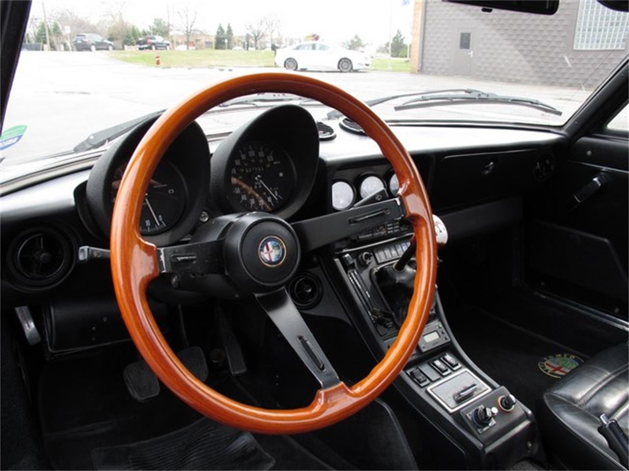 Large Picture of 1985 Alfa Romeo Spider located in Troy Michigan - HTJF