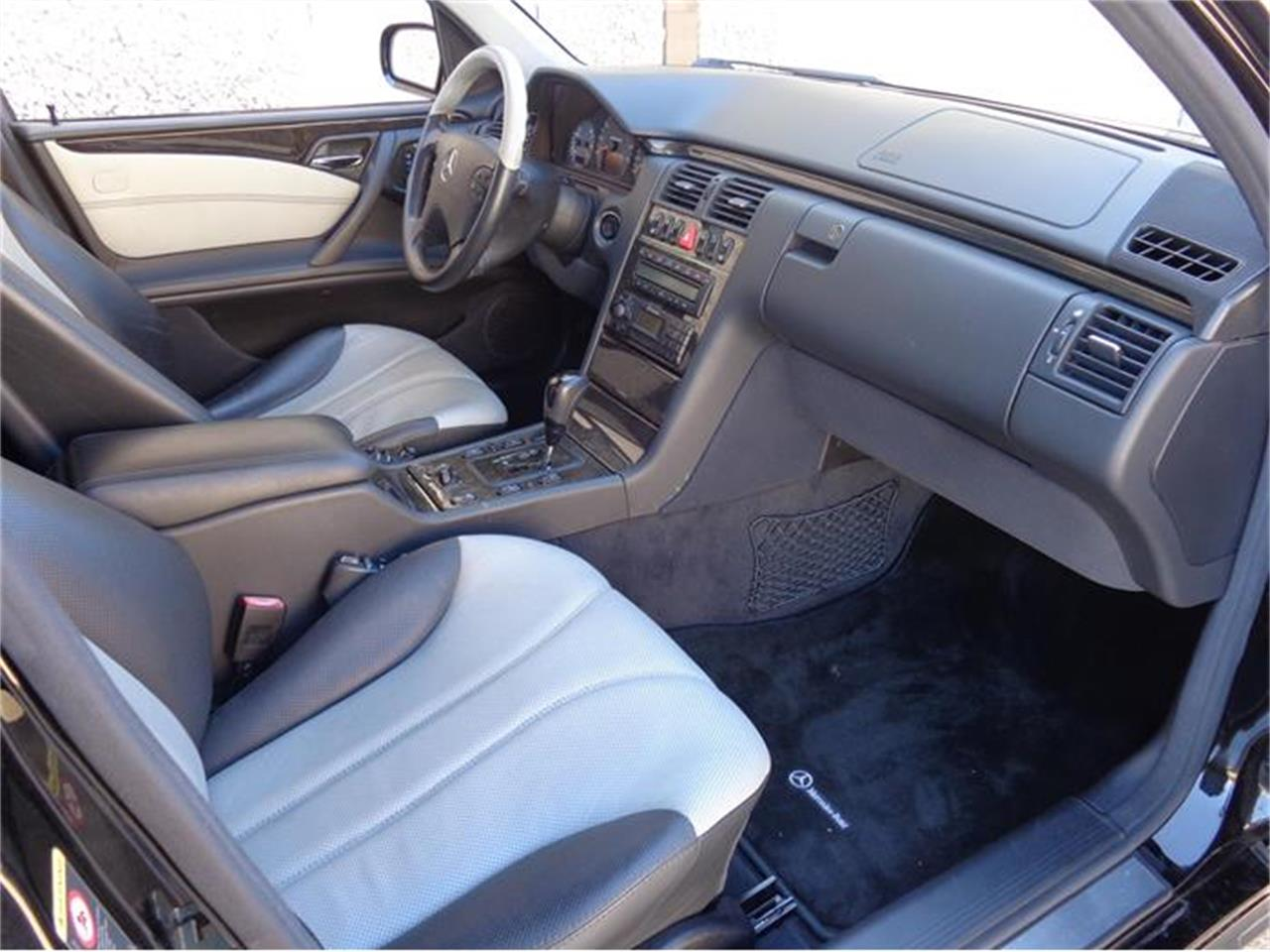 Large Picture of '01 Mercedes-Benz E55 Offered by Enthusiast Motor Cars of Texas - HUJ9