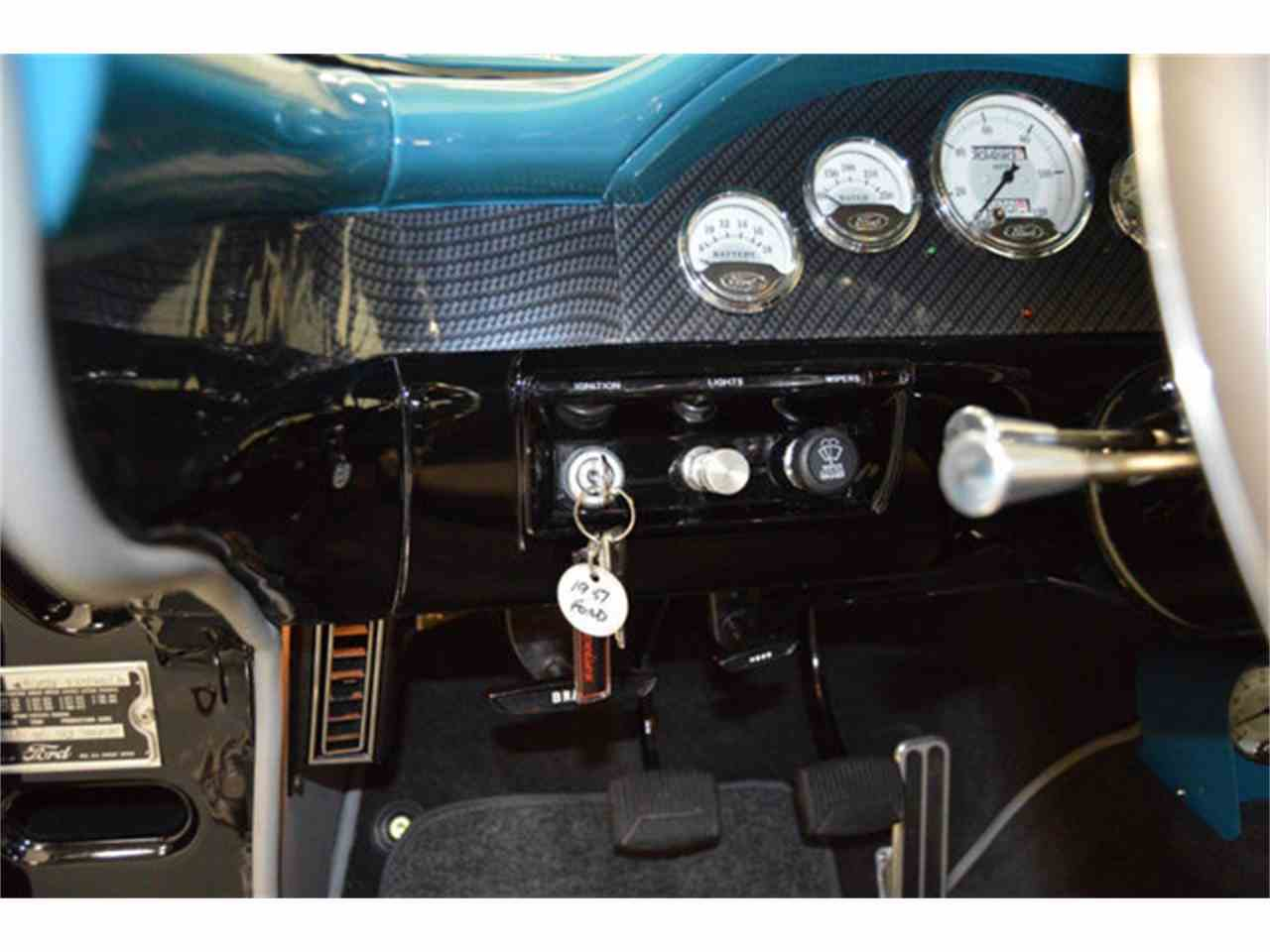 Large Picture of '57 Fairlane 500 - HX50