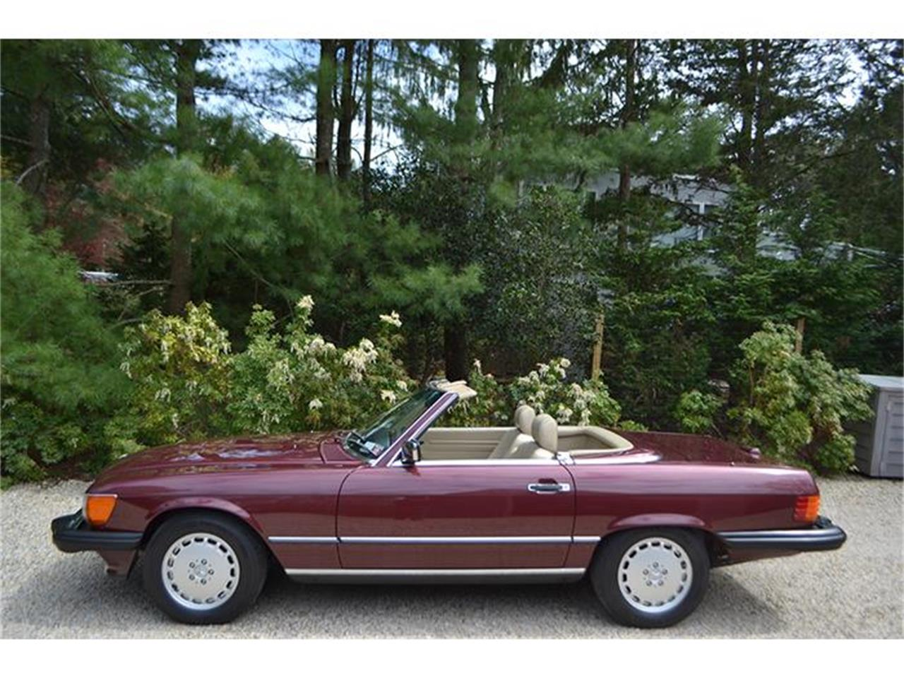 Large Picture of '89 560SL located in Southampton New York Offered by Aventura Motors - HSWO