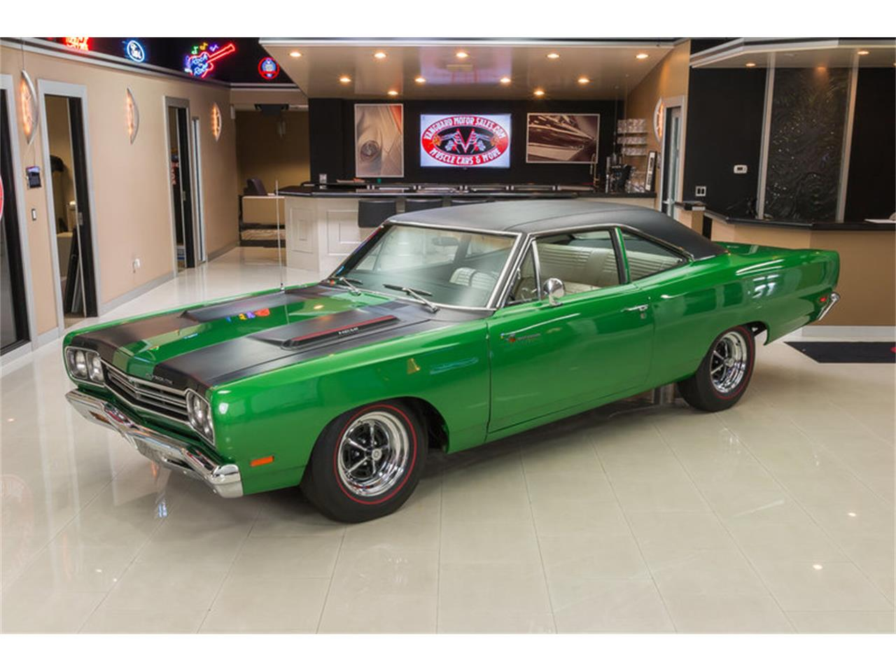 Large Picture of Classic '69 Road Runner located in Michigan - HYAT