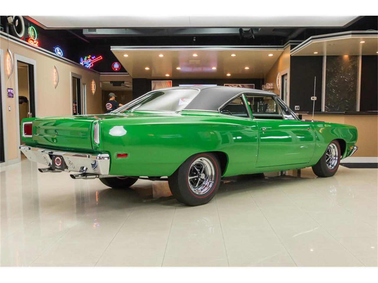Large Picture of 1969 Road Runner - HYAT