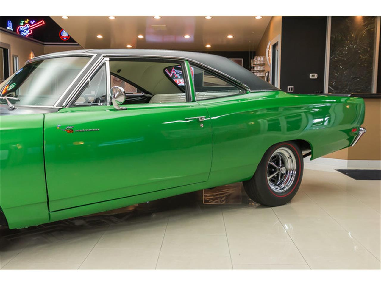 Large Picture of Classic 1969 Road Runner - HYAT
