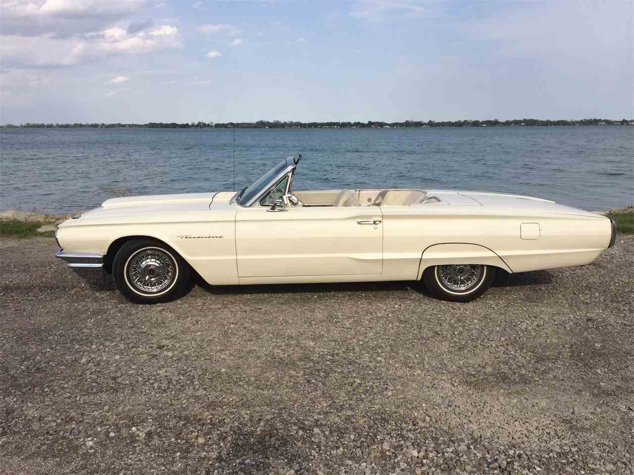 Large Picture of '64 Thunderbird located in Grosse Ile Michigan - I1T6
