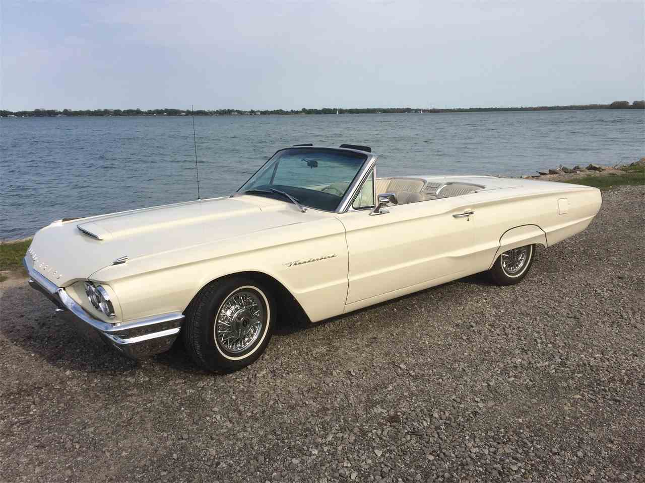 Large Picture of '64 Thunderbird located in Michigan - I1T6