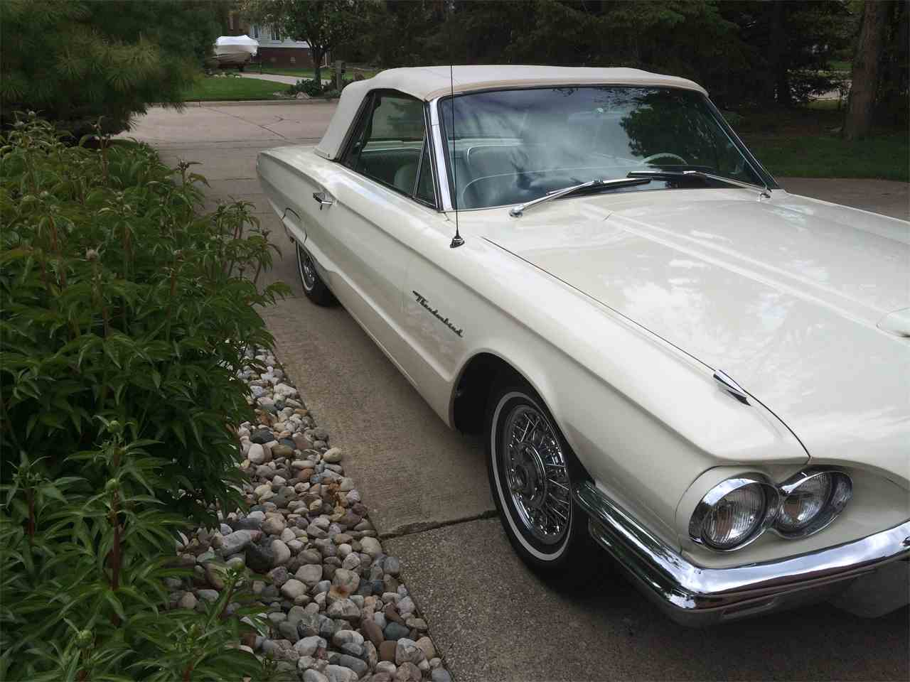 Large Picture of Classic 1964 Thunderbird located in Grosse Ile Michigan - I1T6