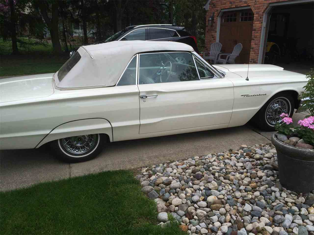 Large Picture of Classic 1964 Ford Thunderbird - I1T6