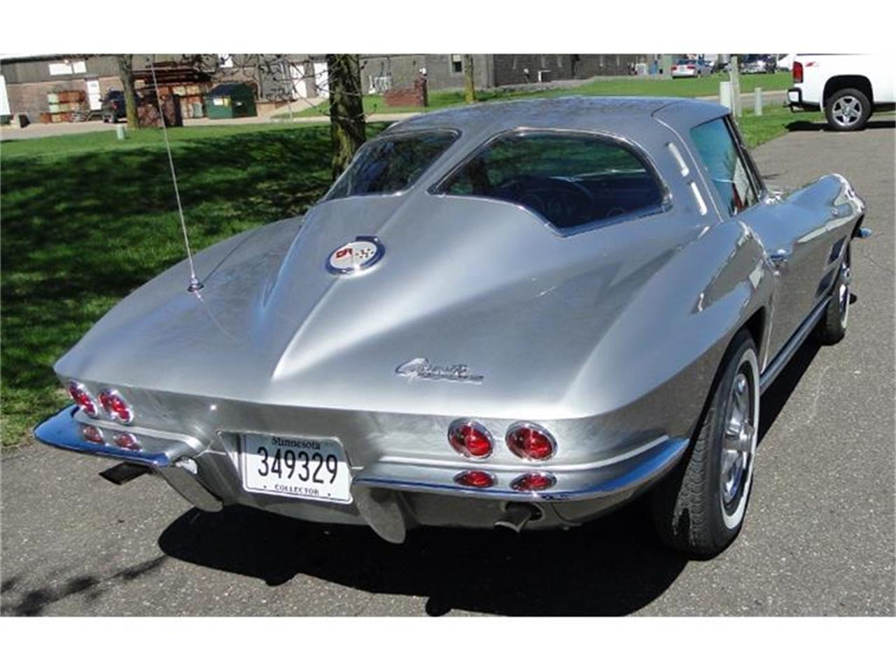 Large Picture of Classic 1963 Corvette located in Minnesota Offered by Big R's Muscle Cars - I2BV